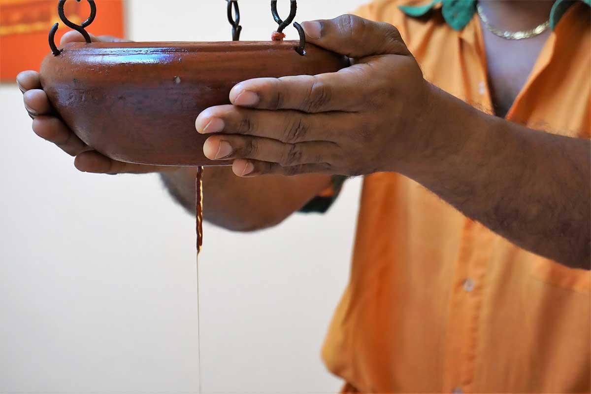 Shirodhara-huile-ayurveda