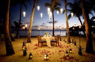 dîner en amoureux sur la plage