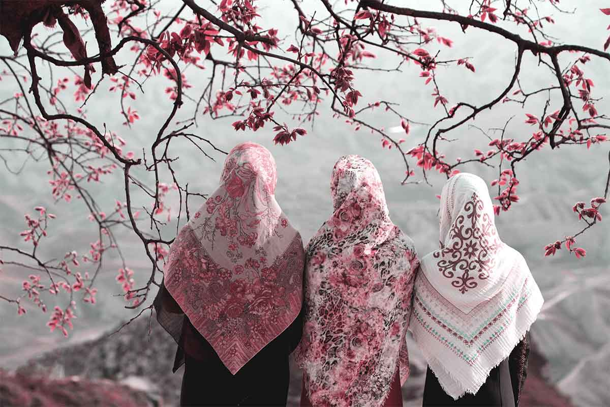 Iran au printemps 3 femmes de dos