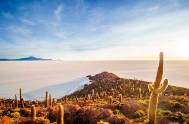 salar d'uyuni en Bolivie - vue depuis Incahuasi